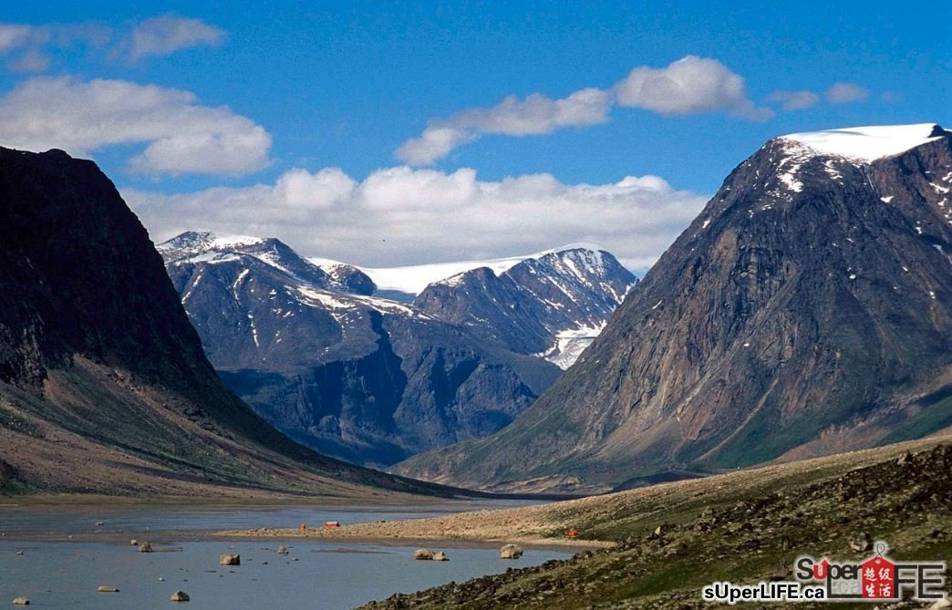 二十二,巴芬岛(baffin island),一个加拿大北方在北极圈内的大岛,是