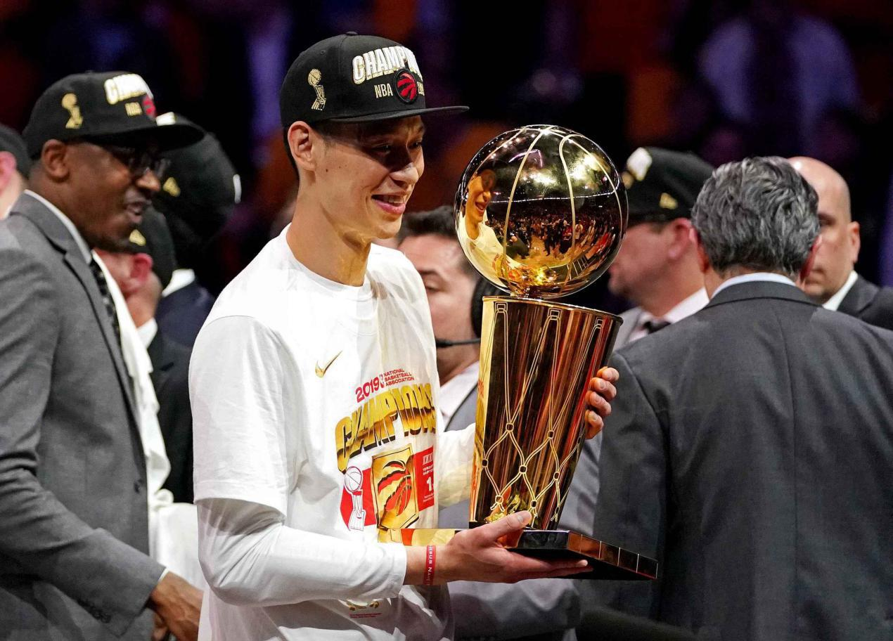 林书豪被嘲躺拿NBA冠军 周杰伦:他不骄傲