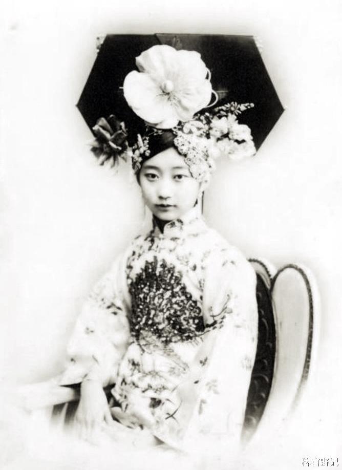 清朝最美格格:遭溥仪嫌弃 文革被抄家 终