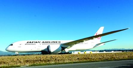 波音787梦幻客机首降温哥华国际机场