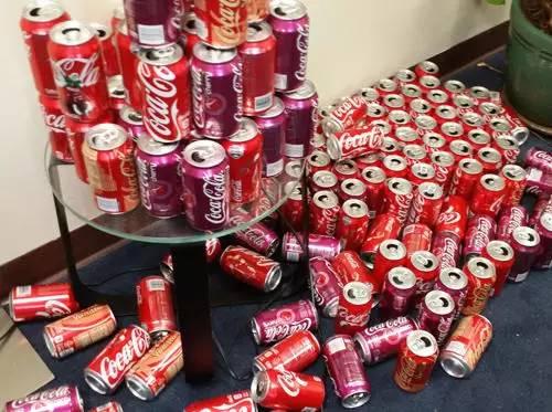 坚持一月每天喝10罐可乐 会发生什么