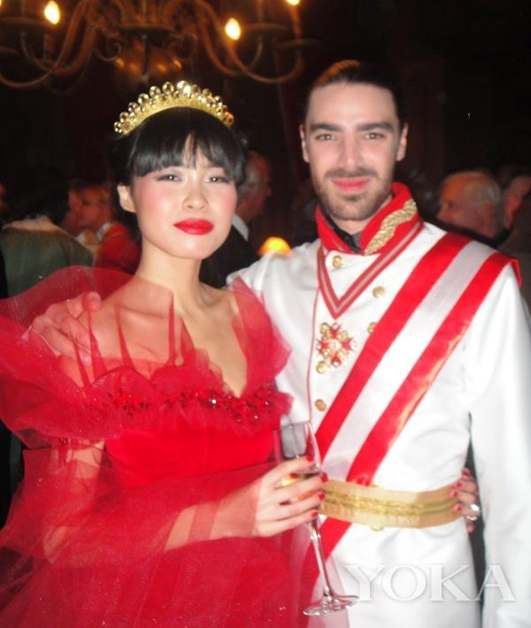 广东姑娘成为比利时首位亚裔王妃 生下混血小