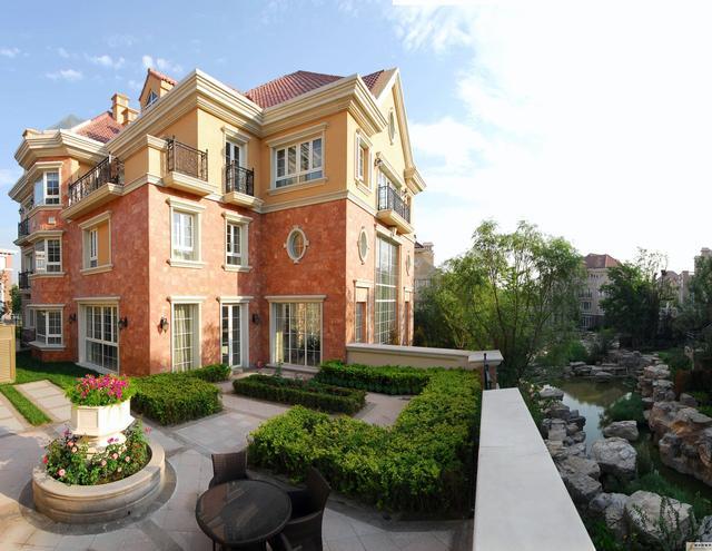 张艺谋在北京的豪华别墅,像童话里的城堡