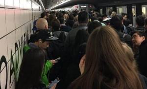 TTC地铁早高峰挤爆了!超负荷运行长达90
