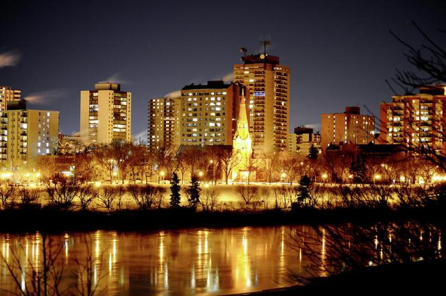 5-saskatoon-at-night-cristina-sofineti.jpg