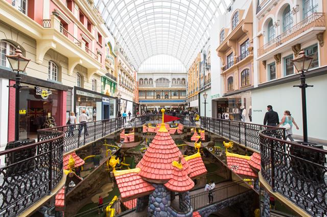 室内水上乐园_加拿大十大购物商城排名,你们最爱的Yorkdale只排第四 | 新闻