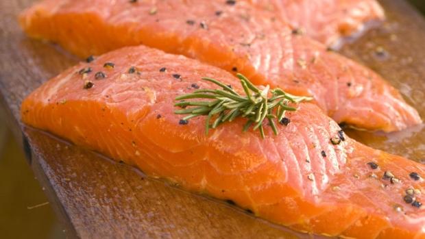 aquabounty-salmon-filet.jpg