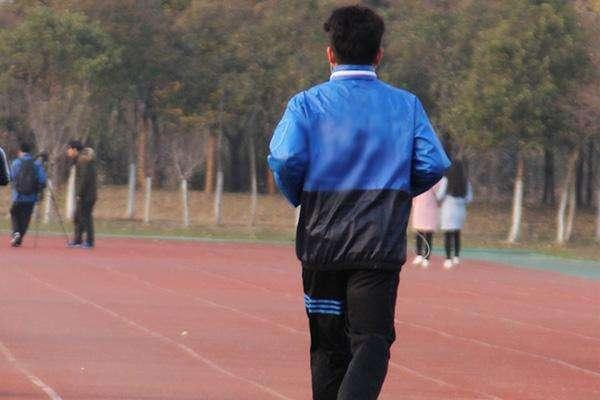 45岁男性每天都坚持晨跑,身体反而越来越差了?究竟是为什么?