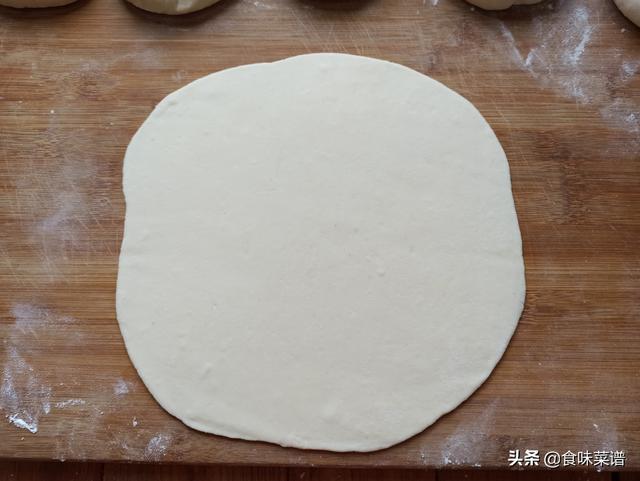 家常烙饼的做法,外酥里嫩,一看就会,5分钟出锅,凉了也不会硬