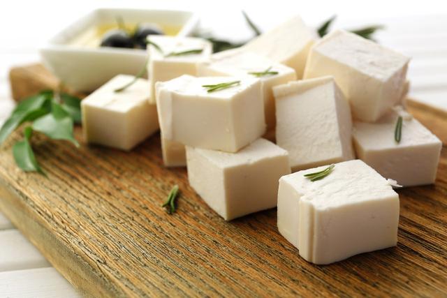 糖尿病患者吃豆腐有什么好处?医生:搭配这三种食物,血糖会更稳
