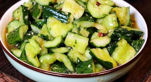 饭店拍黄瓜为什么那么好吃,原来做法这么简单,下酒必备