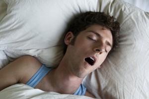 医生警告:这一常见睡姿容易引发癌症(图)
