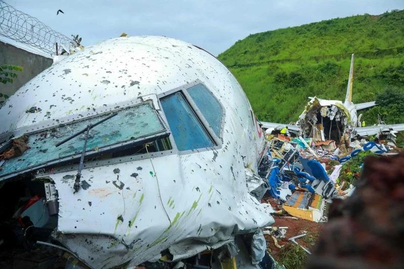 印度防疫撤侨客机失事断成两截…酿