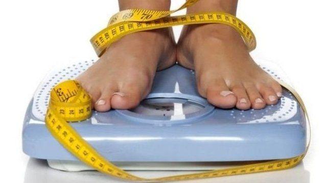 其中一项研究发现,在3个月内人们平均体重减轻了3.3公斤。